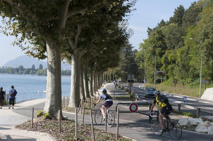 Piste cyclable lac Annecy rive Est Chavoires