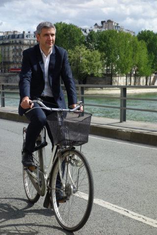 Portrait_ChristopheNajdovski_à vélo