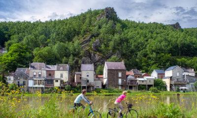 BDLa Meuse à vélo les 4 fils Aymon crédit photo Marjolein Van Rotterdam- Coll. Agence Régionale du Tourisme Grand Est