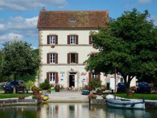 Sur le Canal de Bourgogne @AgnesMillot_MaisonduCanal
