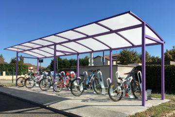 parking vélos école de Bonson 1 - crédit Altinnova