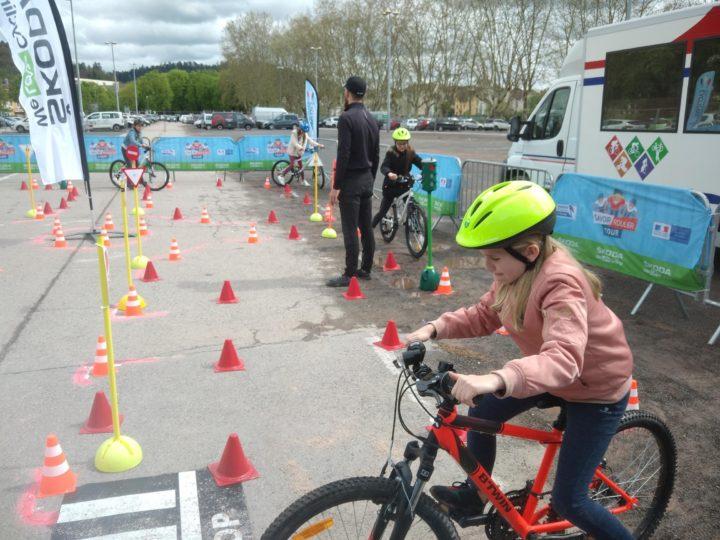 1-Cours de Savoir rouler à vélo ©Fédération française de cyclisme