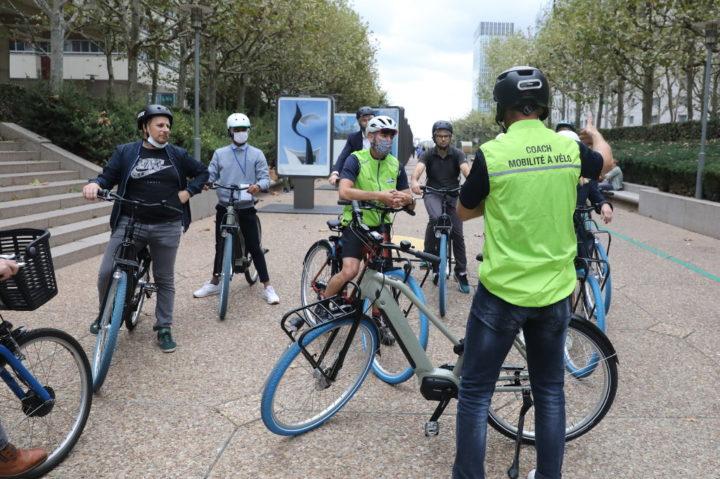 2_Les coach mobilité vélo en action lors du salon Bike to Work ©Fédération française de cyclisme