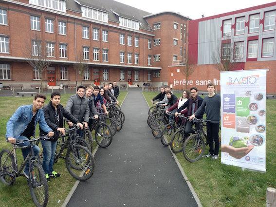 Voyage à vélo Lille-Brighton du lycée Baggio ©Eric Paternoga